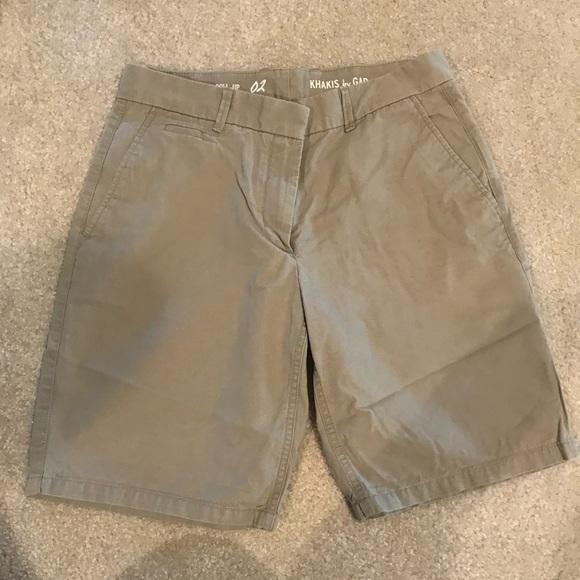 GAP Pants - 👑 4 for $25👑 khaki roll-up boyfriend shorts EUC